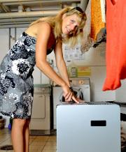 Raumluftwäschetrockner im Einsatz in der Waschküche